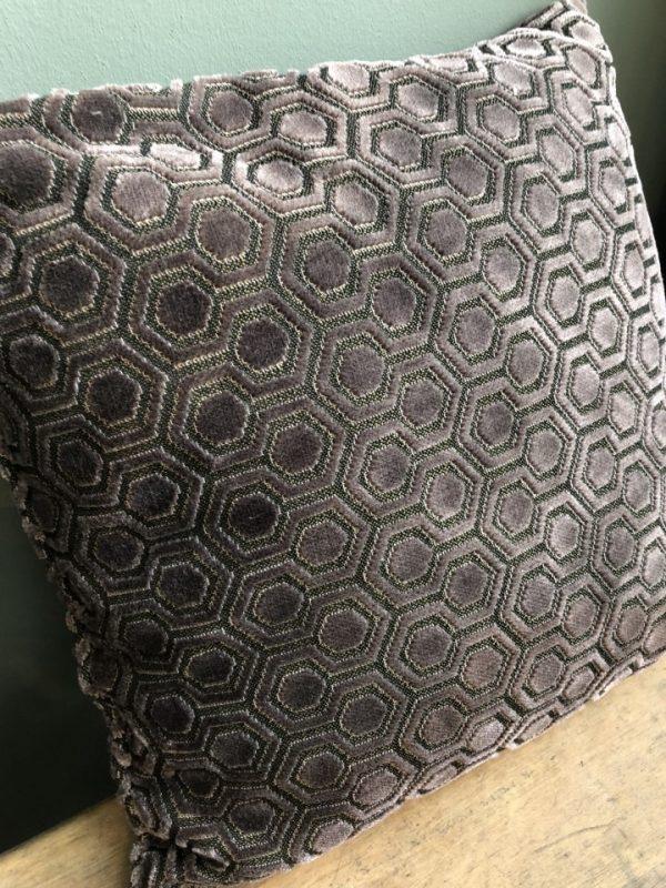 Mooie grijze/fluwelen kussen van Zuiver