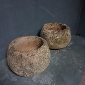 corbeilles en pierre antiques
