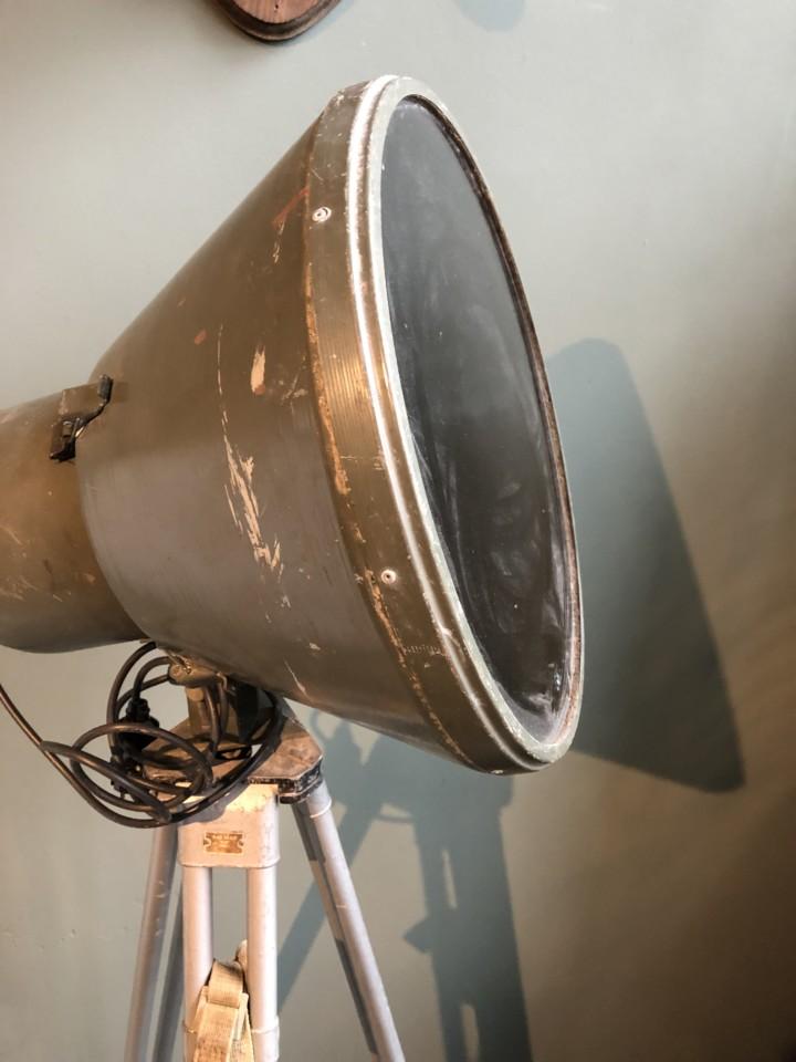 Ypperlig Industriell grønn lampe på stativ - Vindustrial AU-25