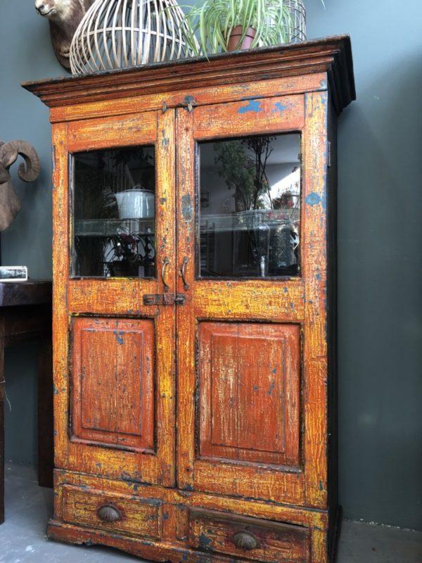 antieke houten tweedeurs kast