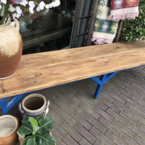 Industriele lange houten bank