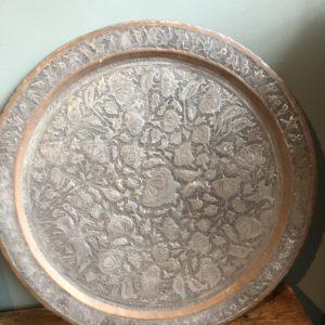 Grande rodada antiga tigela de ferro antigo