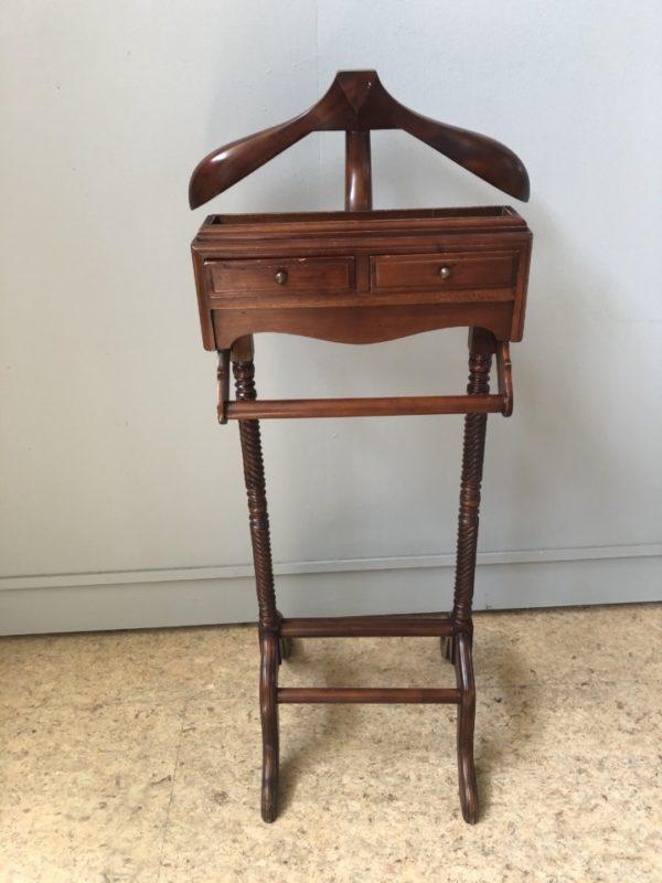 Oude houten dressboy met 2 laden