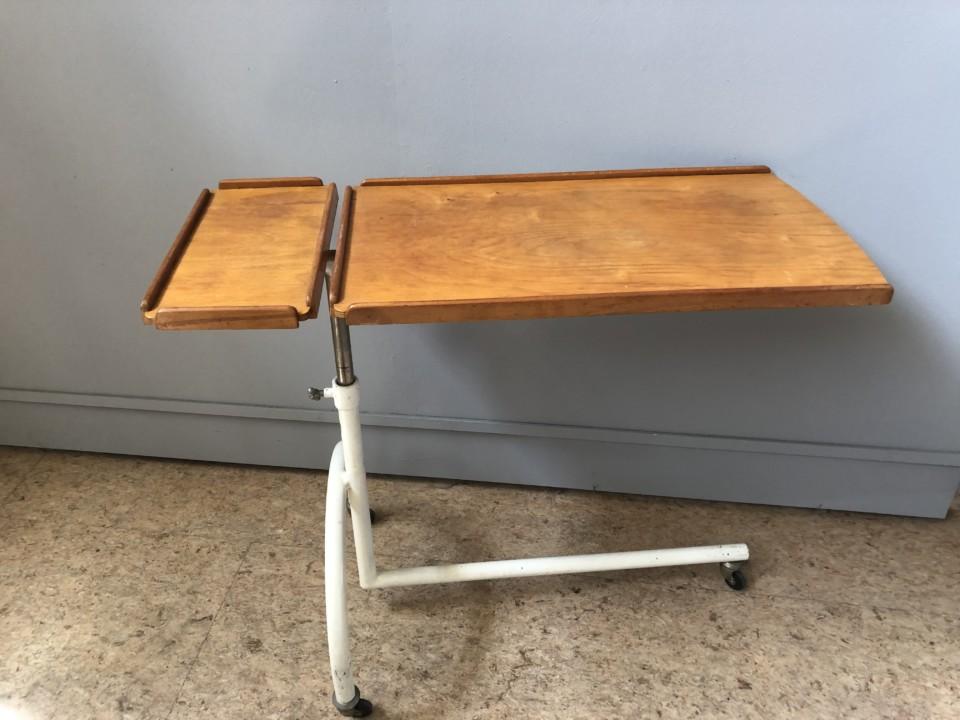 Onwijs Oude industriele apothekerstafel op wielen - Vindustrial XF-08