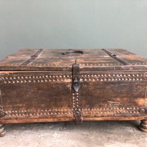 Antieke houten hollandse documentenkist