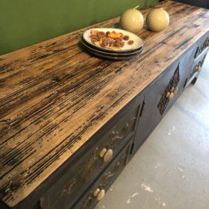 Mooie houten lage kast