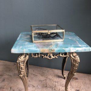 Victorian Säitentafel mat gréngen natierleche Steen a Goss Eisebasis