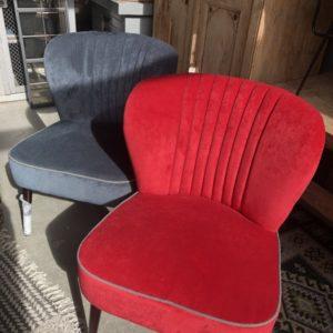 Grote rode vintage look stoel