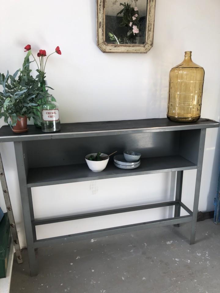 Mooie Side Table.Gispen Metalen Hoge Sidetable Werkbank