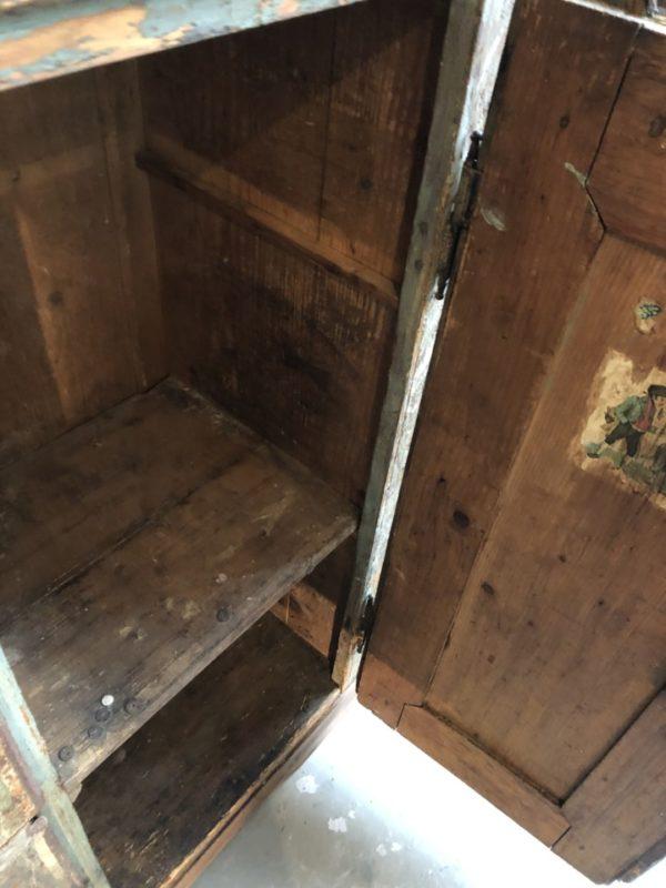 Antieke houten Franse gekleurde kast met laden