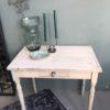 Brocante houten witte tafel met lade