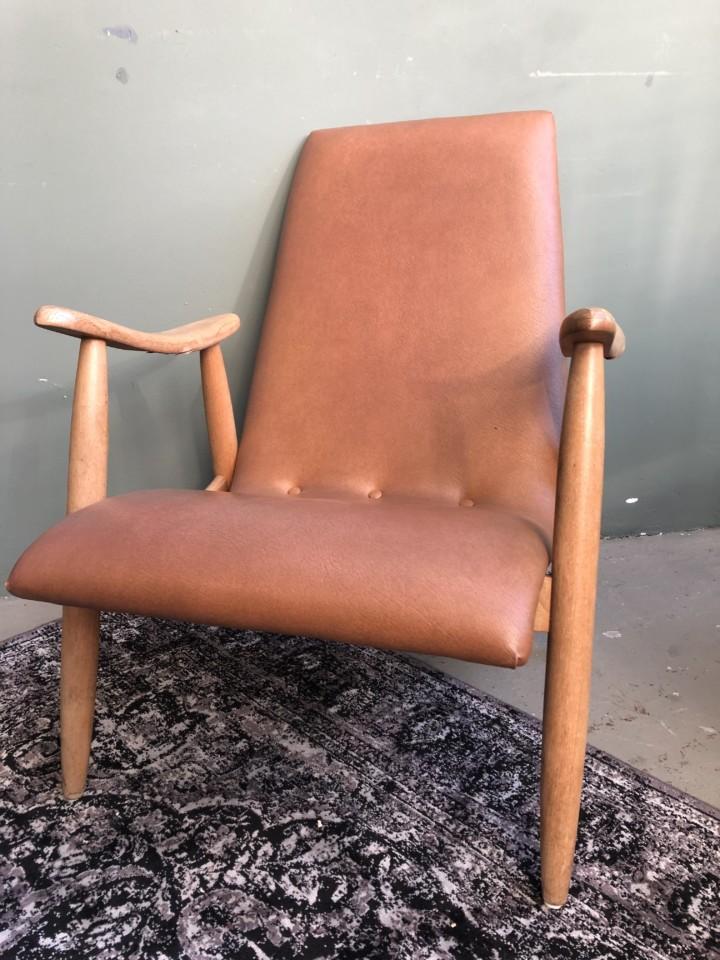 Houten Stoel Vintage.Old Wooden Vintage Chair Vindustrial