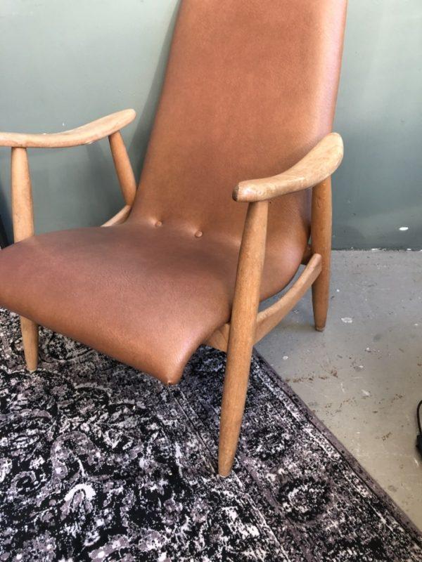 Oude houten vintage stoel