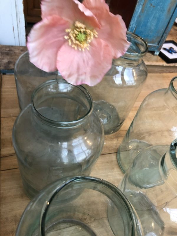 Mooie oude groene glazen potten/vazen met nummer onderin