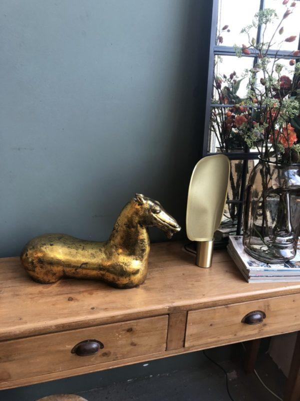 Goudkleurige metalen paard no legs