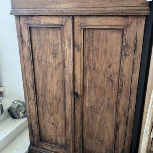 Oud Hollandse houten linnenkast