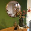 Grote ronde koperkleurige spiegel
