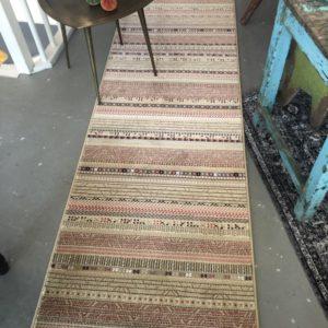 Loper tapijt met bruine strepen