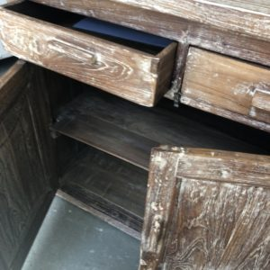 Mooie oude houten werkbank met 2 laden en opbergruimte