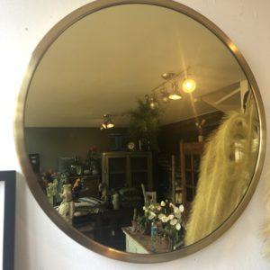 Goudkleurige grote ronde spiegel