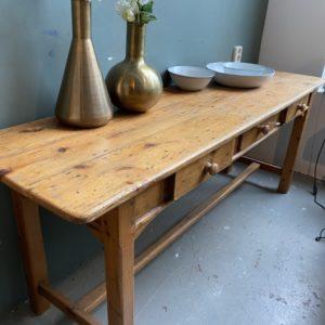 Oud Hollandse houten sidetable met 3 laden