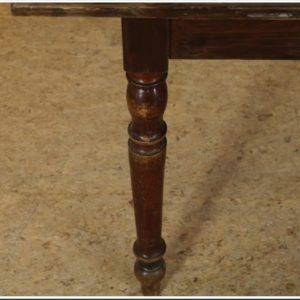 Oude grenen houten tafel