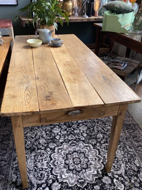 Antieke (Essen) houten tafel met 2 laden