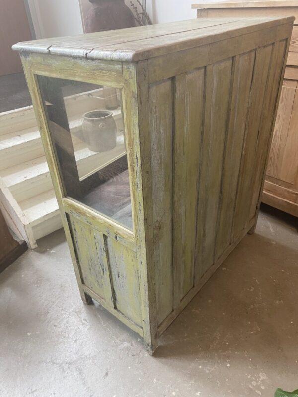 oude houten groene kast