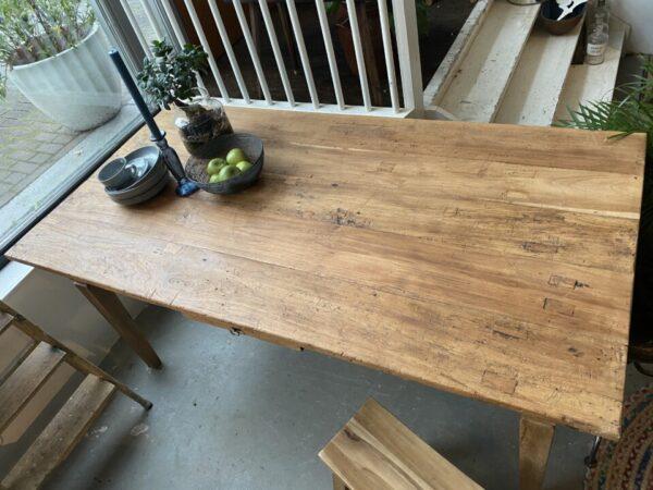 Oude houten Franse tafel met1 lade en oude verbindingen