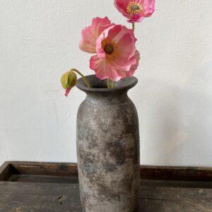 Mooie grijze aardewerk vaas