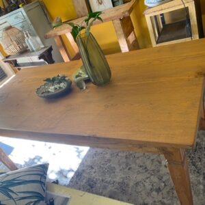 Oude houten eiken tafel met 2 lade en oude verbindingen